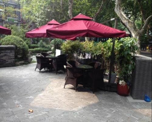 餐厅遮阳伞